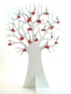 boom-met-rode-besjes