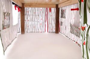 binnenkant tent 300x199 Moggy & Mouse