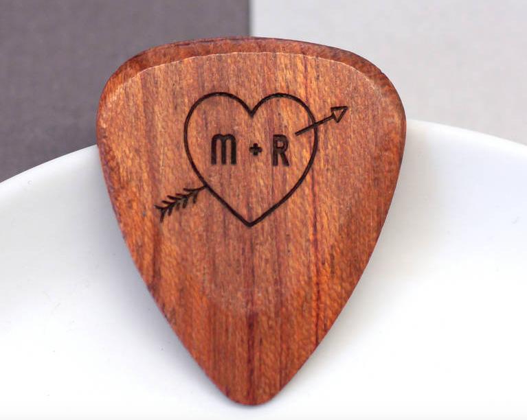 plectrum valentijnsdag hout