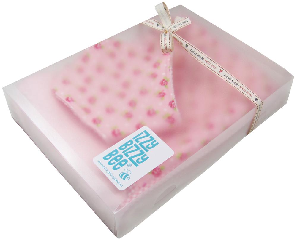 giftbox dottyrose kl Een geschenkdoos voor de baby