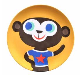 helen dardik aap Eten van een kleurrijk bord