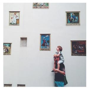 Pippeloen man en kind 298x300 Wie, wat waar en waarom op Instagram: Pippeloen
