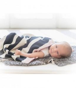 elodie-details-wiegdeken-zebra-sunshine-in-zwart-m
