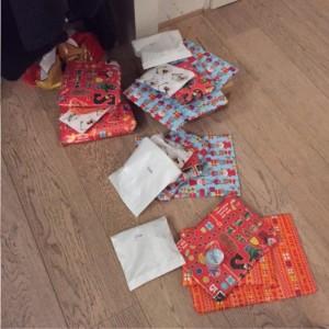 heel veel cadeautjes inpakken