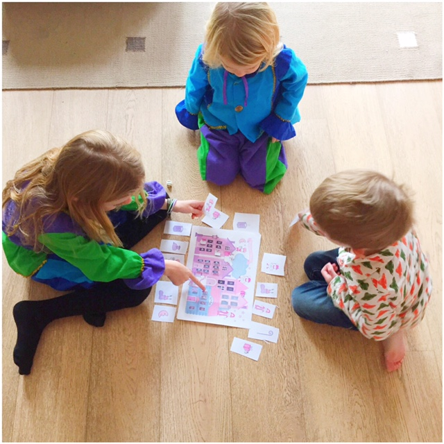 kinderen spelen sinterklaasspel