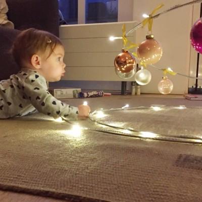 Fee bij de kerstboom 2015