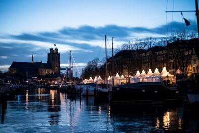 Kerstmarkt Dordrecht bij nacht - Foto Tim Leguijt