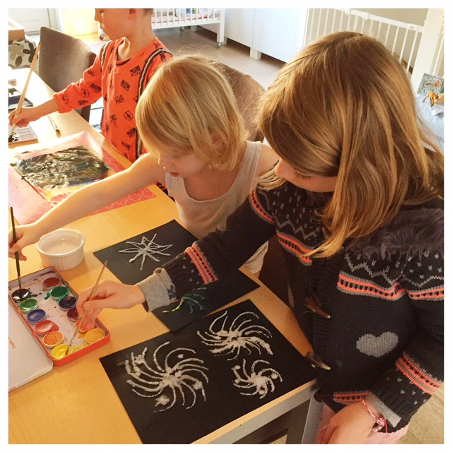 vuurwerk kunstwerken maken met kinderen verven