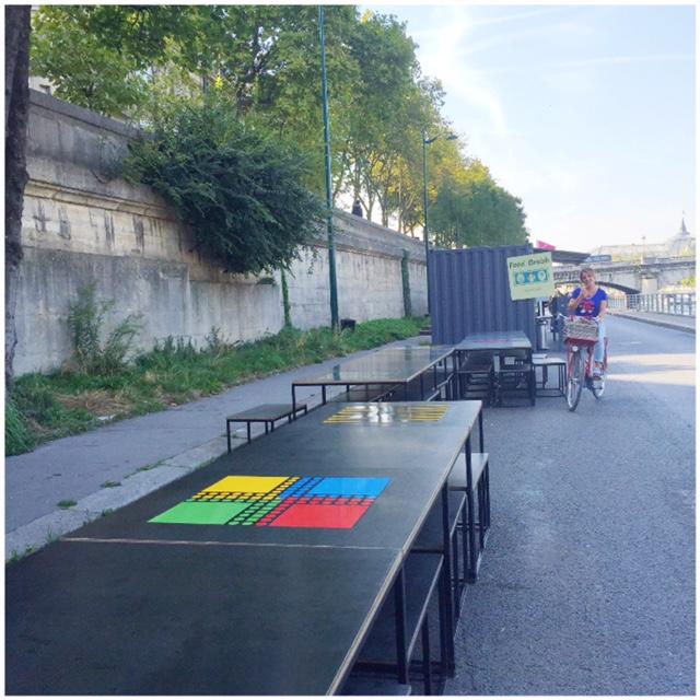 must do's voor Parijs 3 berges seine tafel met spelbord