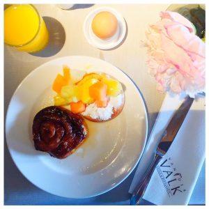 ontbijt van der valk pannenkoek en bolus