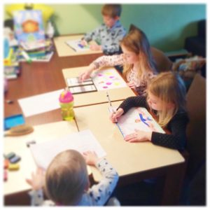 kinderen-op-de-schildersplankjes