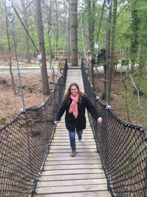 Op avontuur bij de Grotten van Han loopbrug