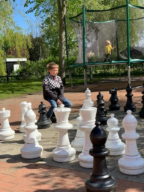 rib byferie resort trampoline schaken