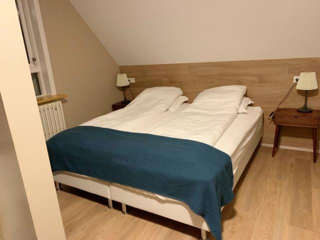 bed westfjorden ijsland hotel holt in