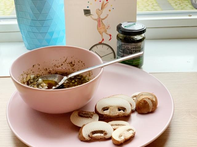 pesto saus champignon carpaccio