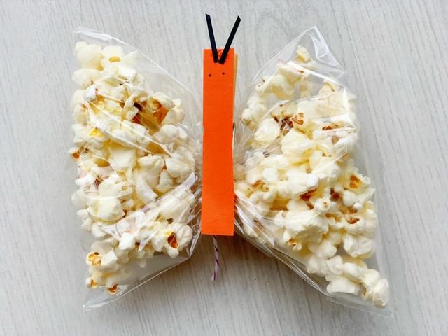 traktatie met popcorn vlinder