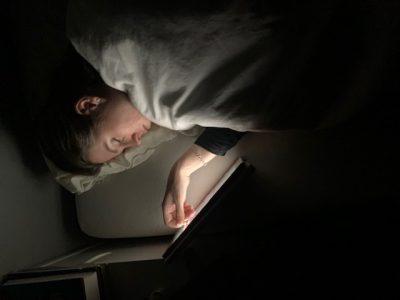 juut in slaap gevallen bij ipad