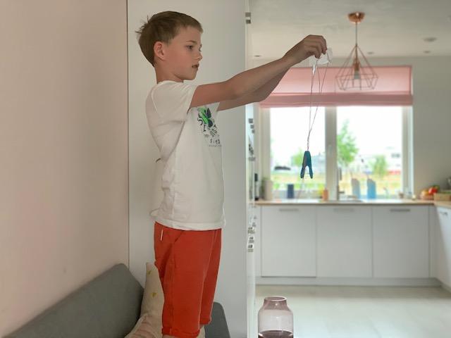 yuren maakt parachute