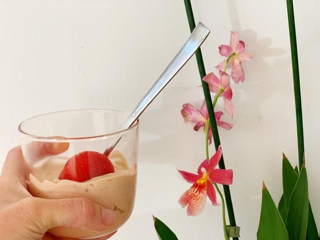 Koolhydraatarm cacao slagroom ontbijt orchidee