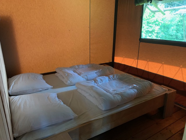 Camping de Waldsang in Bakkeveen tweepersoonsbed safaritent waldsang