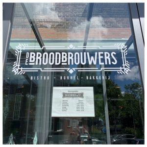 deur en logo broodbrouwers