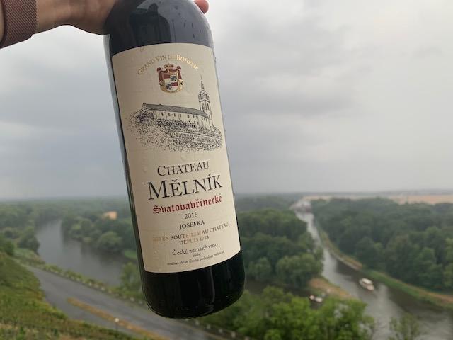 fles wijn chateau melkin
