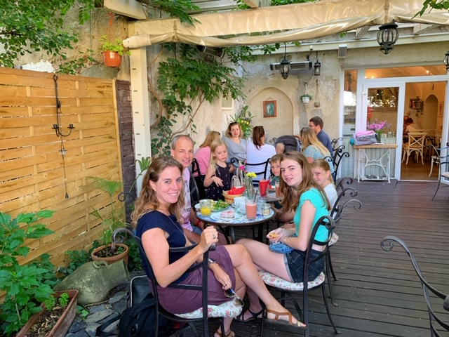 met gezin cafe la fee