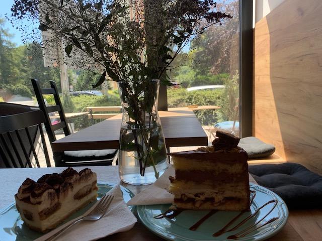 taart bij Markys coffee boskovice