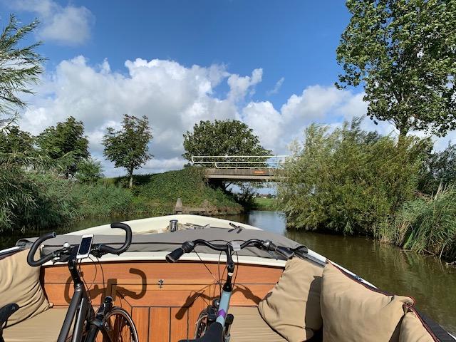 Mijn ervaring met de Elfstedentocht fietsen varen fietsen op de boot