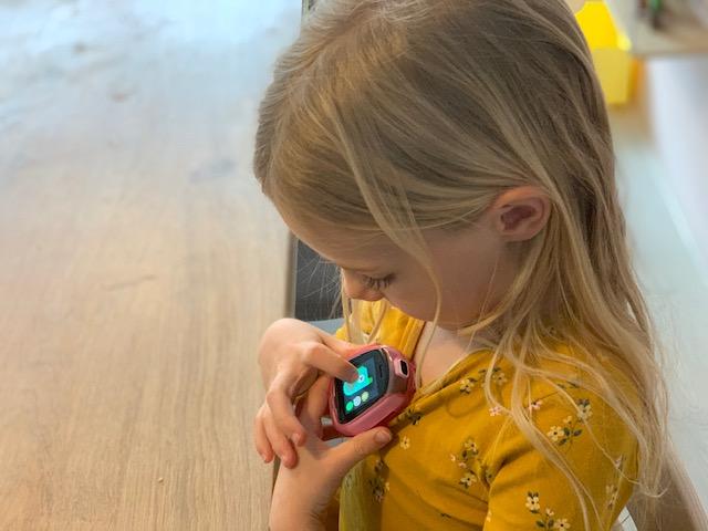 Review Tobi Robot Smartwatch clip