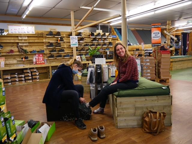 de outdoorspecialist nieuwe wandelschoenen kopen