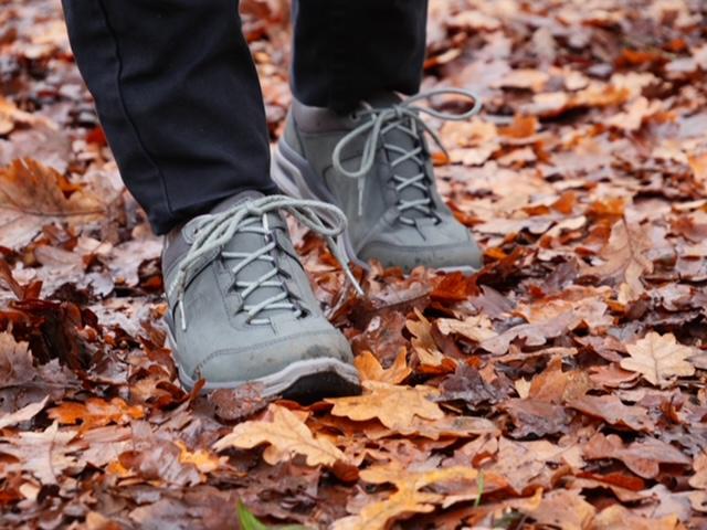Waarom zou je wandelschoenen kopen lowa outdoorschoenen
