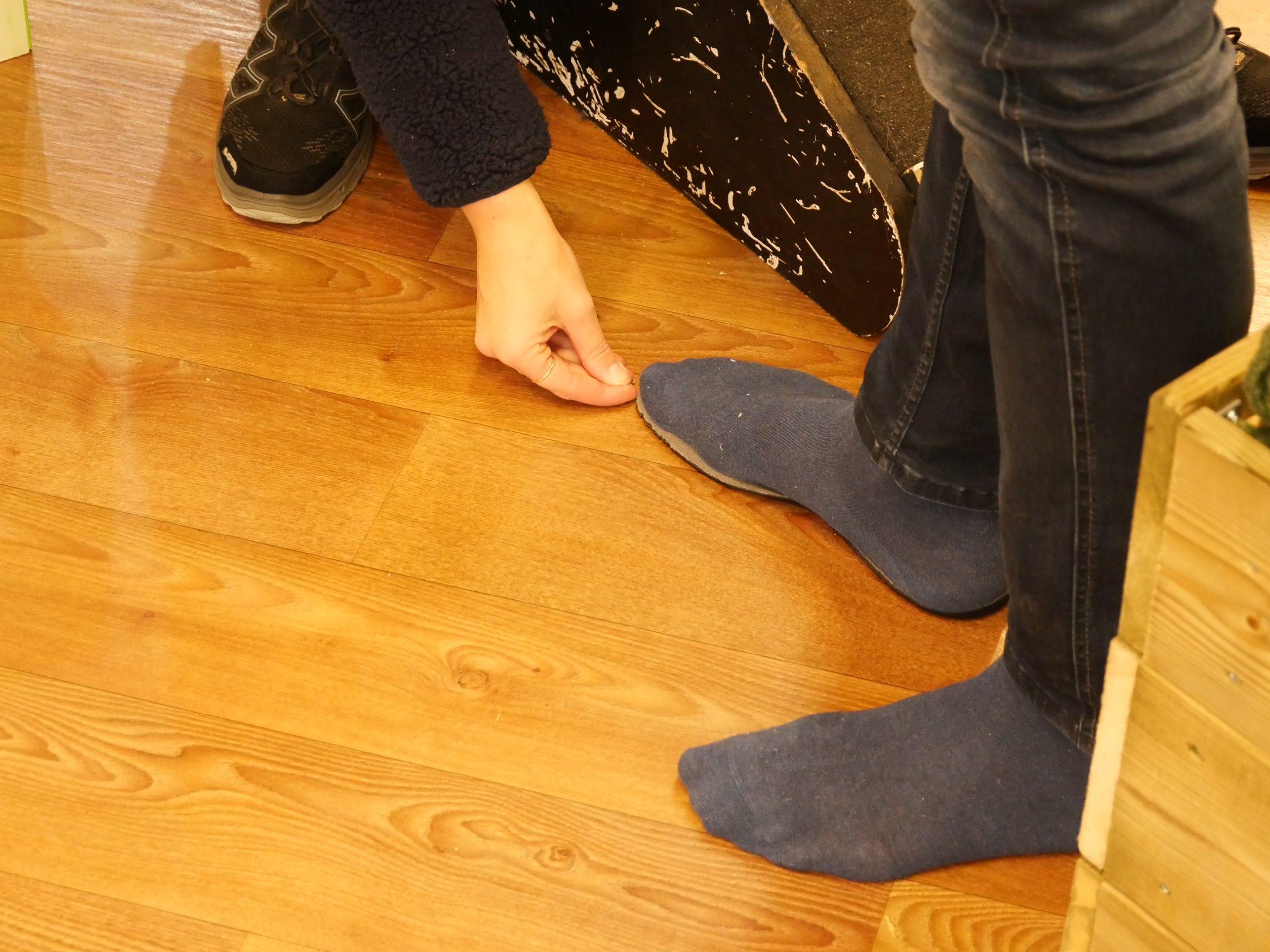 Waarom zou je wandelschoenen kopen outdoorspecialist voeten meten