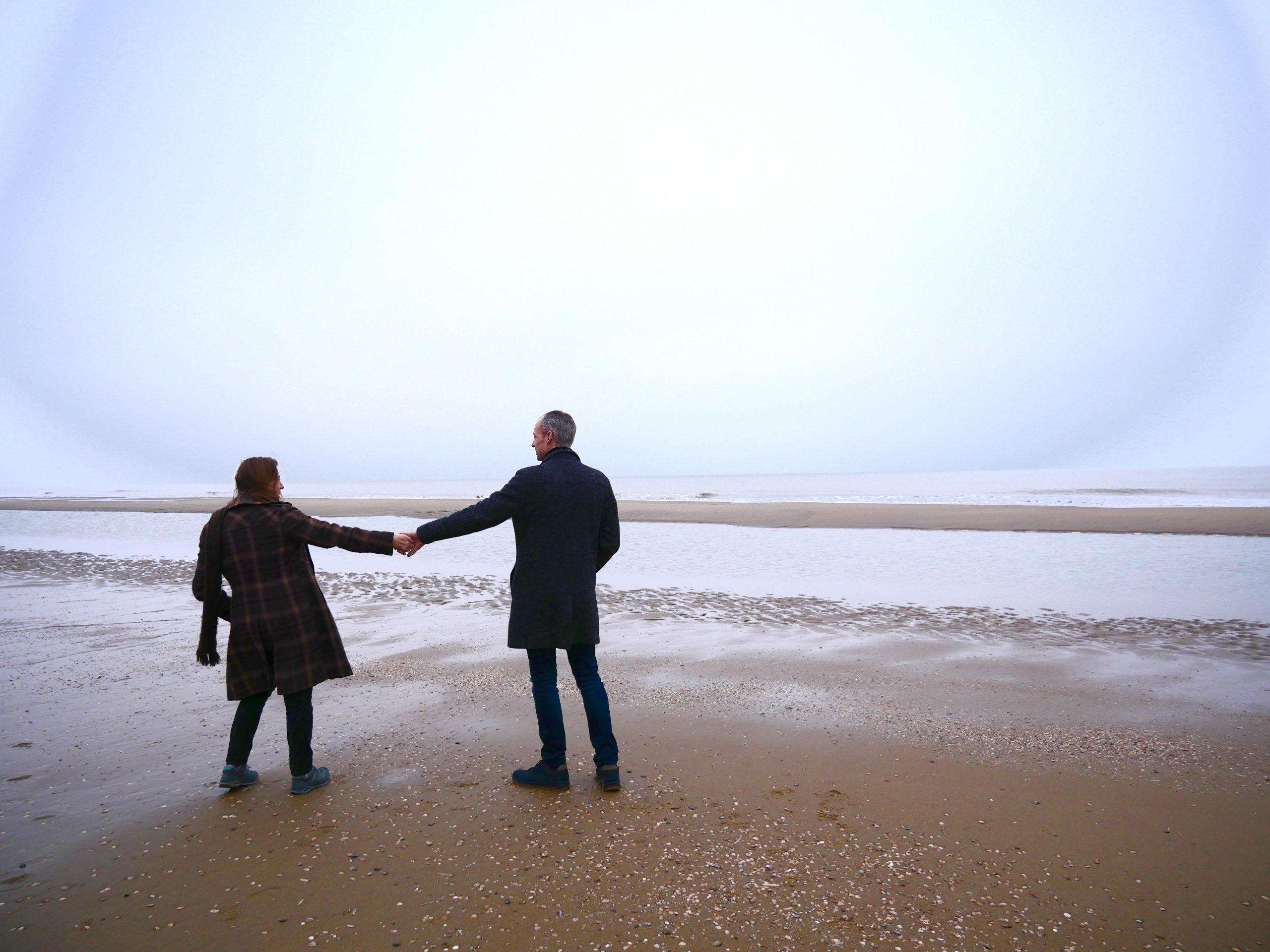 wandelen op het strand met lowa