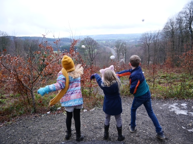 sneeuwballen gooien drielandenpunt limburg