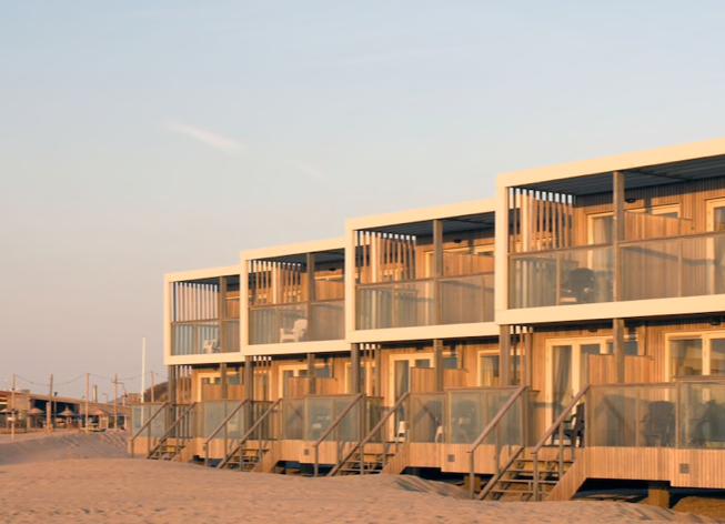Dit zijn de allerleukste strandhuisjes van Nederland Largo beach resort hoek van holland