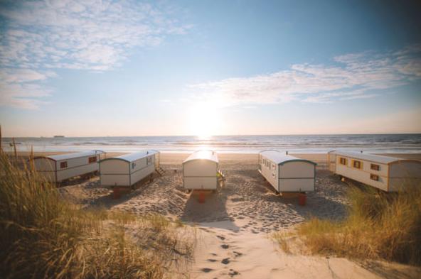 Dit zijn de allerleukste strandhuisjes van Nederland Pipowagen aan Zee