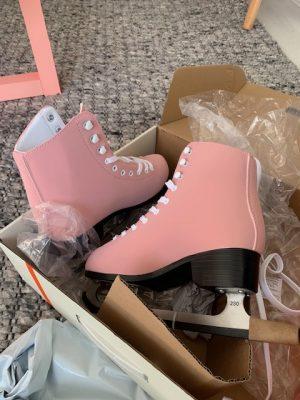 roze schaatsen