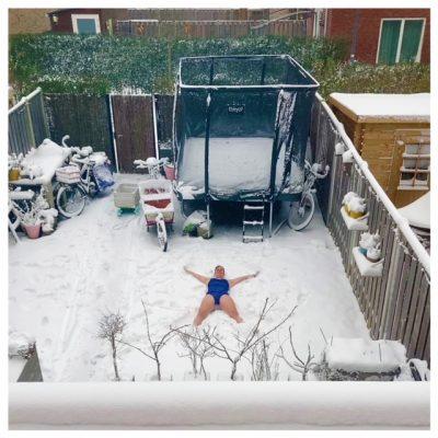 sneeuwengel in badpak