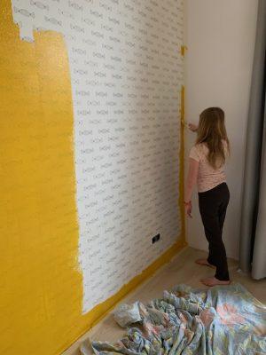 Fee verft muur fee geel