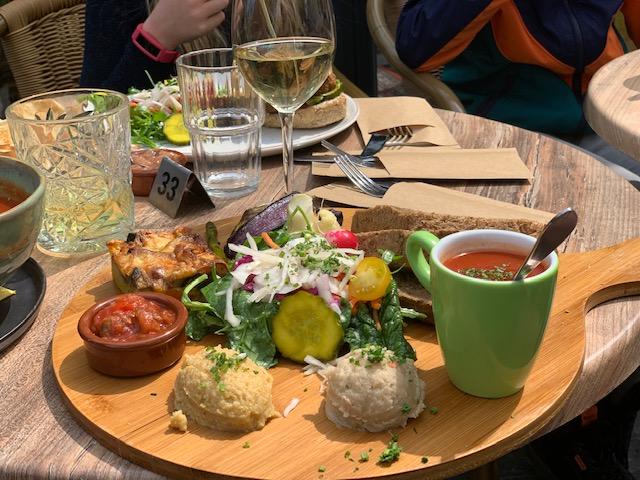 Op Hodenpijl lunch 2021