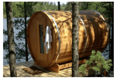 Scandinavisch leven met een jacuzzi en sauna in het bos