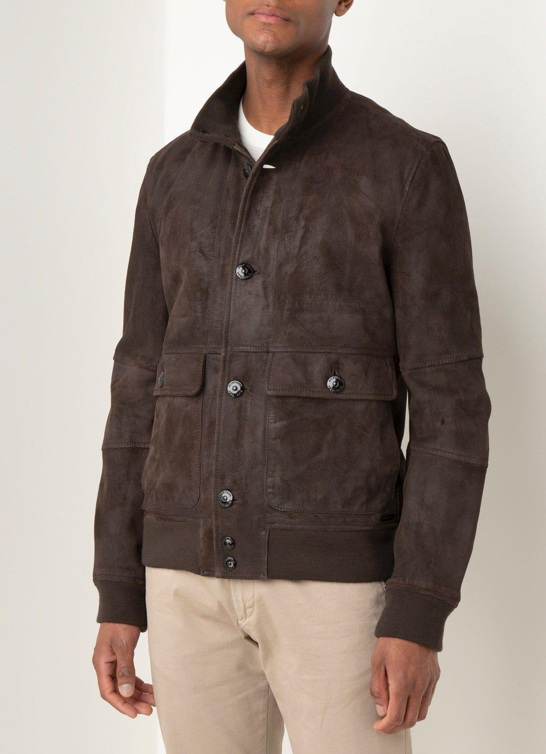 Wat zijn tijdloze kledingstukken die je jaar in, jaar uit kunt dragen strellson jas
