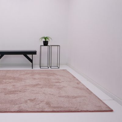 Een vloerkleed onder je eettafel roze