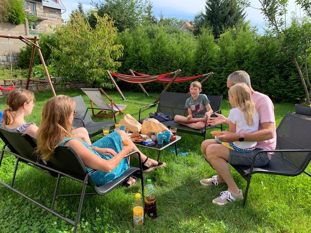 ontbijt in tuin Polen