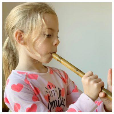 fee met fluit